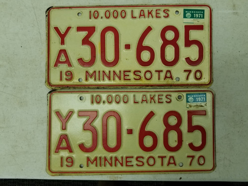 1970 (1971 Tag) Minnesota 10,000 Lakes License Plate 30-685 Pair