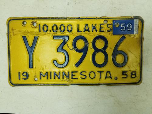 1958 (1959 Metal Tag) Minnesota 10,000 Lakes Plate Y 3986