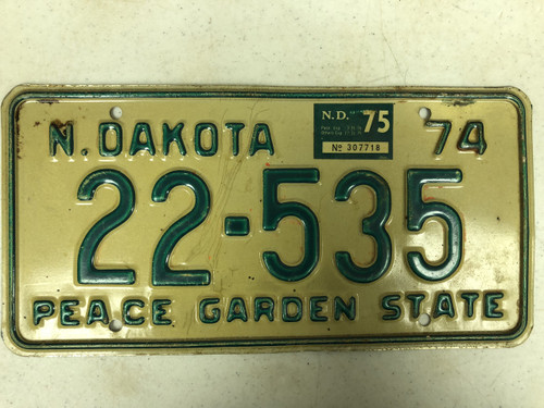 1974 NORTH DAKOTA Peace Garden State License Plate 22-535