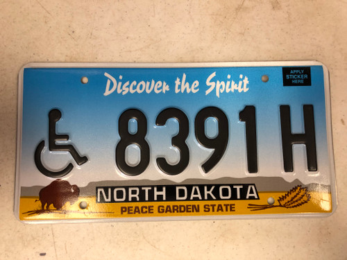 Expired NORTH DAKOTA Peace Garden State Handicapped License Plate 8391H Buffalo Wheat