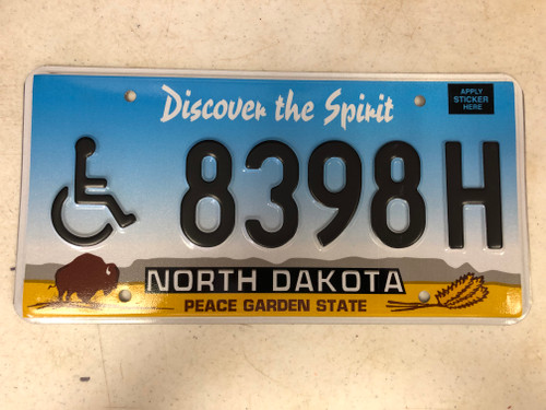 Expired NORTH DAKOTA Peace Garden State Handicapped License Plate 8398H Buffalo Wheat Discover the Spirit