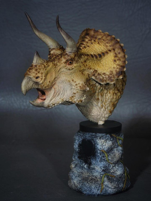 Triceratops Bust Resin Kit by Micromania