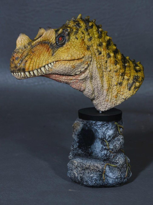 Ceratosaurus Bust Resin Kit by Micromania