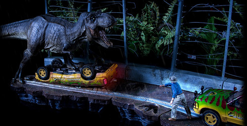 Jurassic Park T-Rex Jeep Attack Diorama by Iron Studios