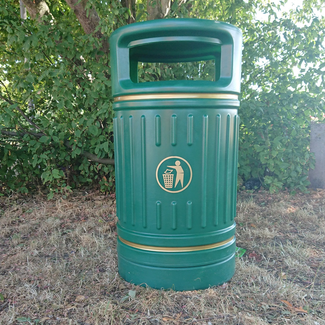 Green Centurion outdoor litter bin