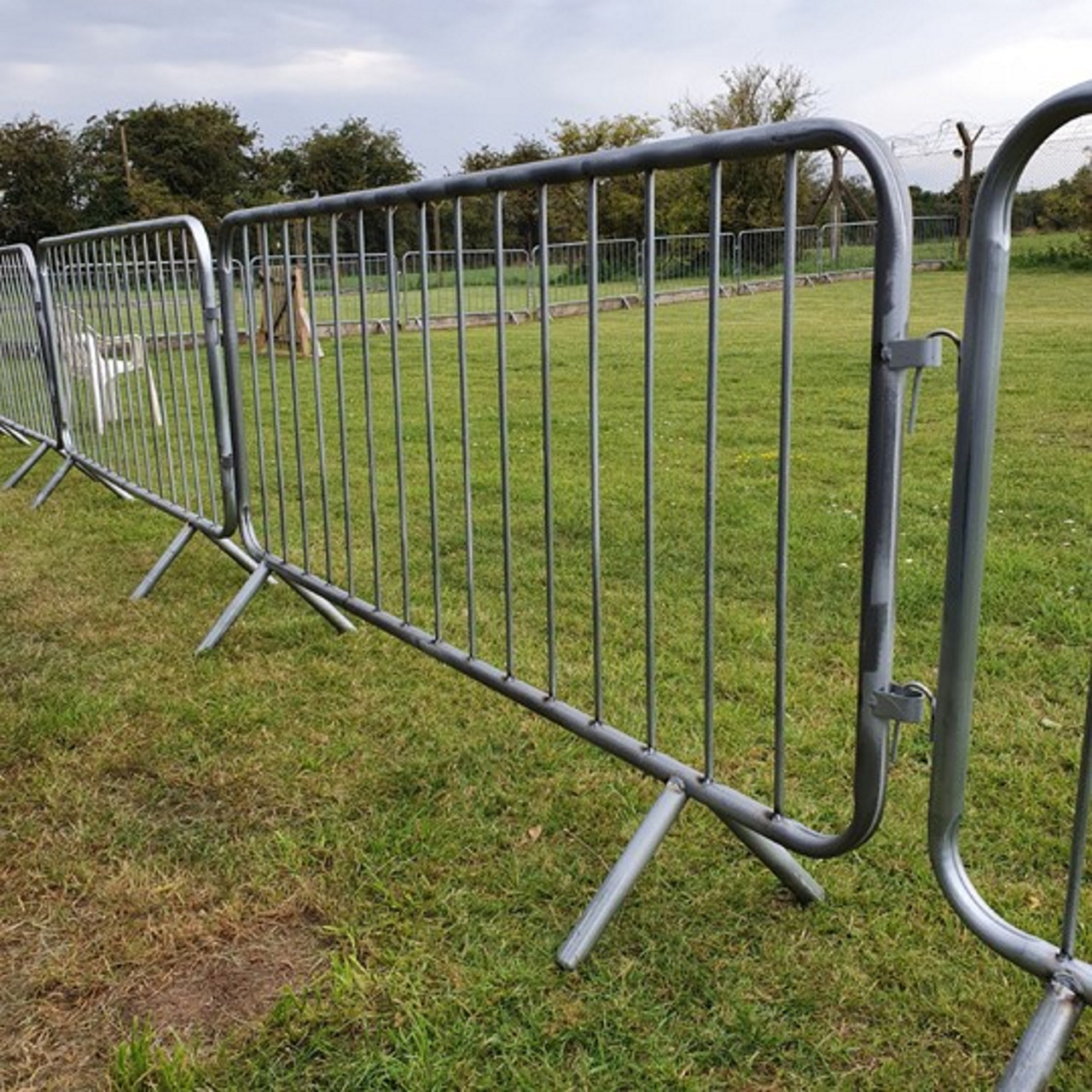Heavy duty fixed leg galvanised metal crowd site safety barrier