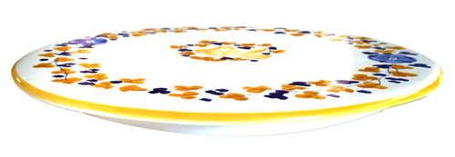 "Yellow ""Arabesco"" pizza/appetizer dish"