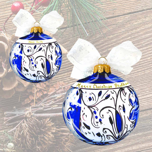 Italian ceramic Christmas ball made in Deruta. Blu decoration and gold personalization
