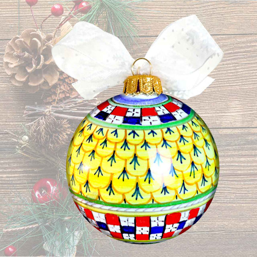 Pottery-ball-of-christmas--yellow-decoration