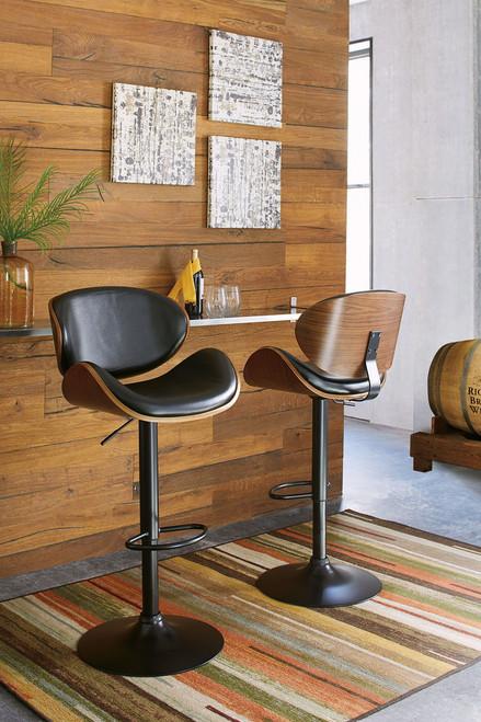 Bellatier Black Tall Upholstered Swivel Barstool(1/CN)