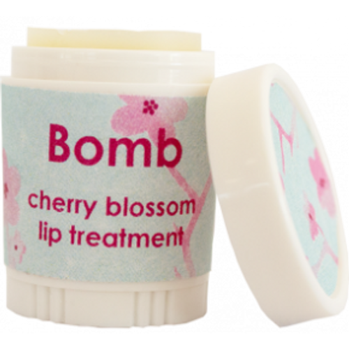 natural lip balm and treatment with moisturising oils