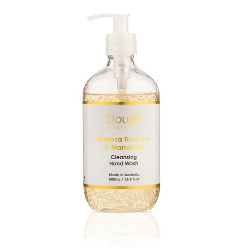 Hand wash with organic Aloe Vera gel and nourishing Vitamin E.