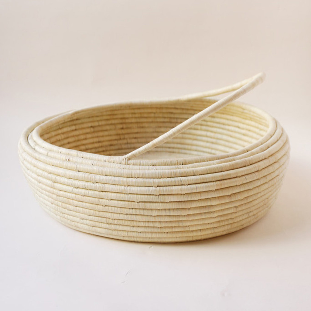Indego Africa : Raffia Floor Basket