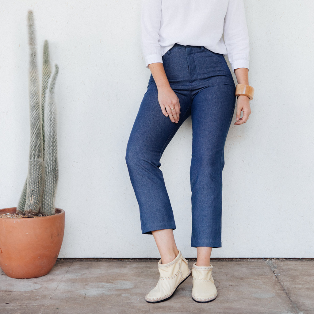 Me & Arrow : Tomboy Pants in Washed Denim