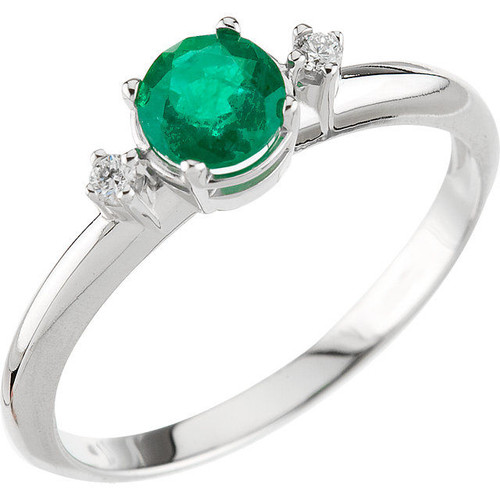 Genuine Round Emerald Diamond Ring