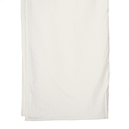 TABLECLOTH (8 - 10 SEATER) - WHITE ON CREAM 1