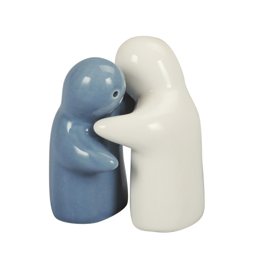 SALT & PEPPER HUGGING COUPLE 8CM - WHITE & GREY