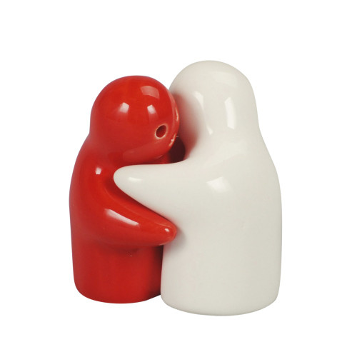 SALT & PEPPER HUGGING COUPLE 8CM - WHITE & RED