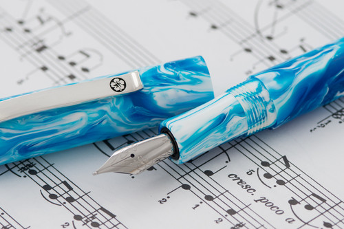Nui Nalu Fountain Pen