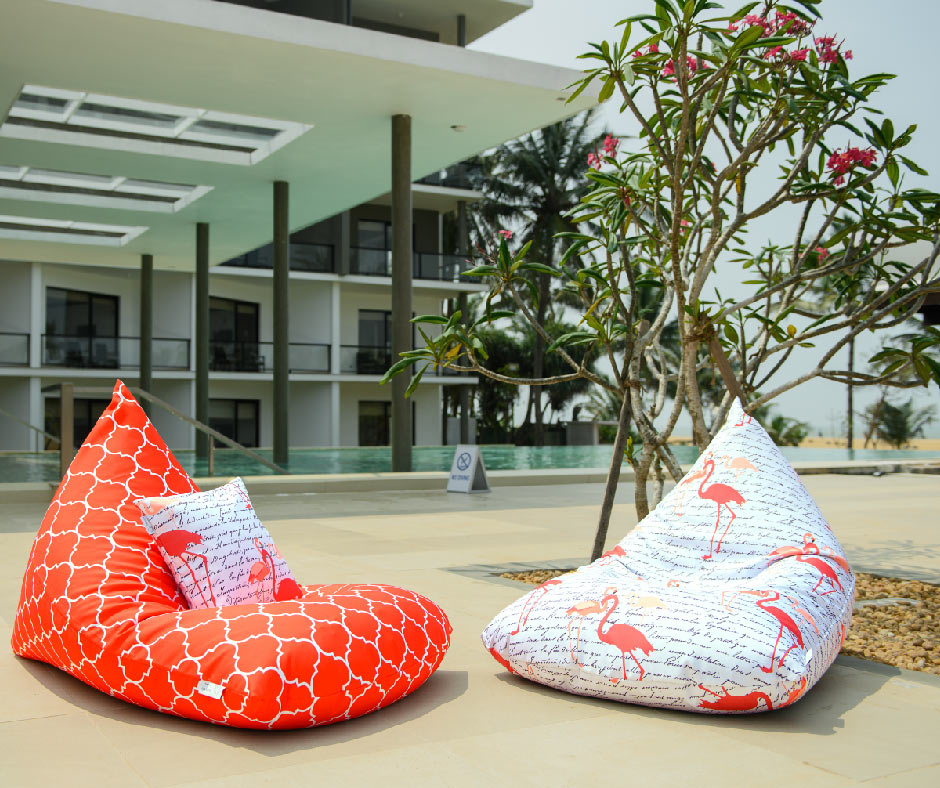 orange-waterproof-outdoor-bean-bags.jpg