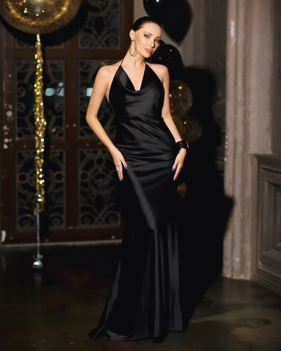 JP103 Gown - Black