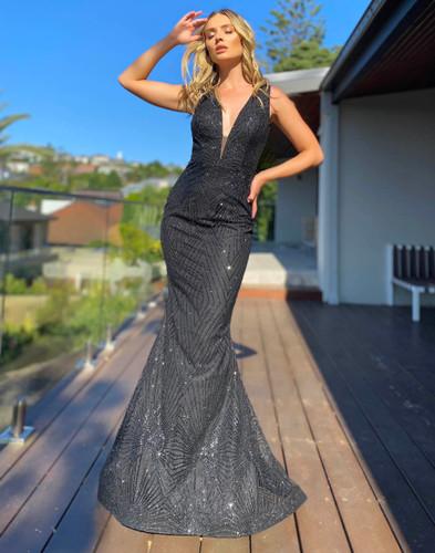Jadore JX5015 Gown - Black