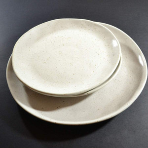Robert Gordon - Dinner Plate 28cms (Natural), Side Plate 21 cms (Natural) Dinner Set Shown