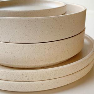 Robert Gordon Platform Dinnerware (Sand) - 2x Dinner Plates, 2x Side Plates and 2x Bowls