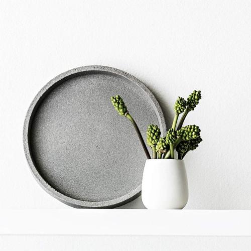 Zakkia - Round concrete Tray - 30cms diameter