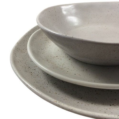 Robert Gordon - Dinner Plate 28cms (Black), Side Plate 21 cms (Natural) and Bowl (Black) 19 cms Dinner Set Shown