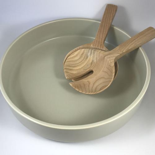 Mint Home - Sienna Shallow Bowl 31cm diameter x 7.5cmH, Coastal Stone. Shown with Bjorn Salad Servers.