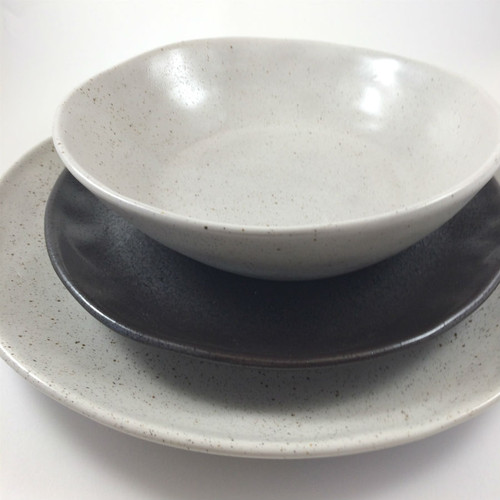 Robert Gordon - Dinner Plate 28cms (Natural), Side Plate 21 cms (Black) and Bowl (Natural) 19 cms Dinner Set Shown - If you would like this combination please contact us at info@casettaliving.com