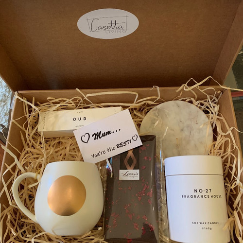Luxe Gift Pack Comprising: No26 Fragrance House Candle, Marble Flared Dish, OUD Organic Hand Cream, Robert Gordon Gold Dot Mug-White, Lizzy's Handmade Chocolate