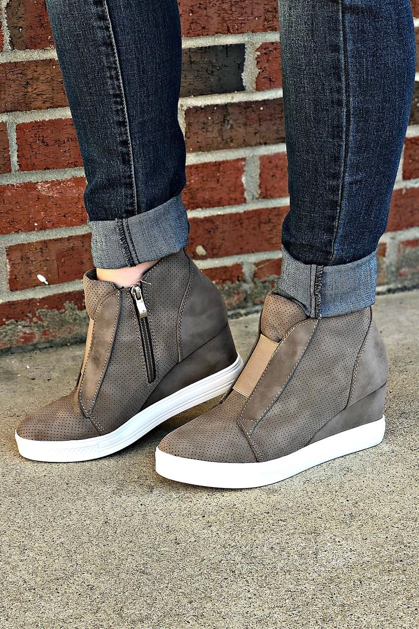 dd743cbb900c ccocci sneaker wedge shoe