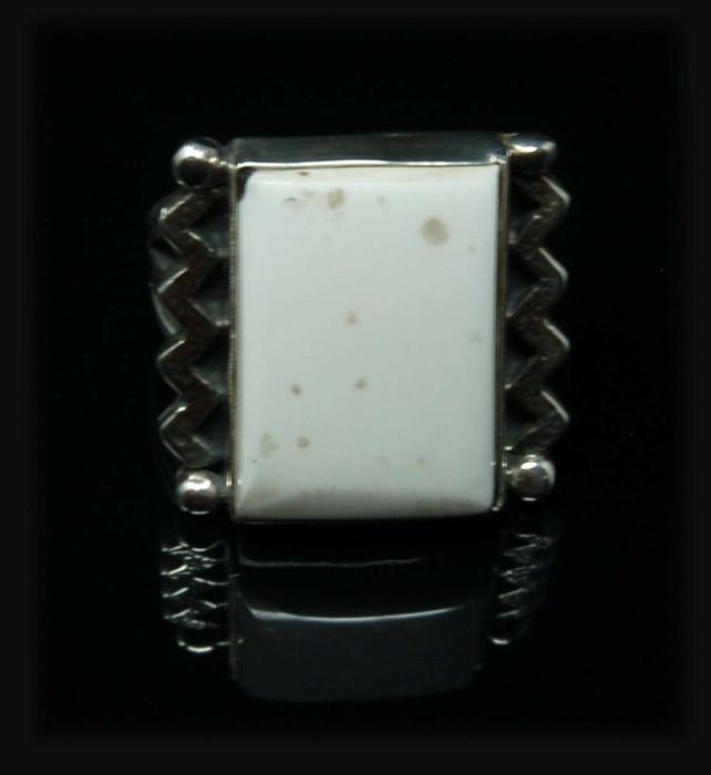 Fun White Buffalo ZigZag Ring for Women