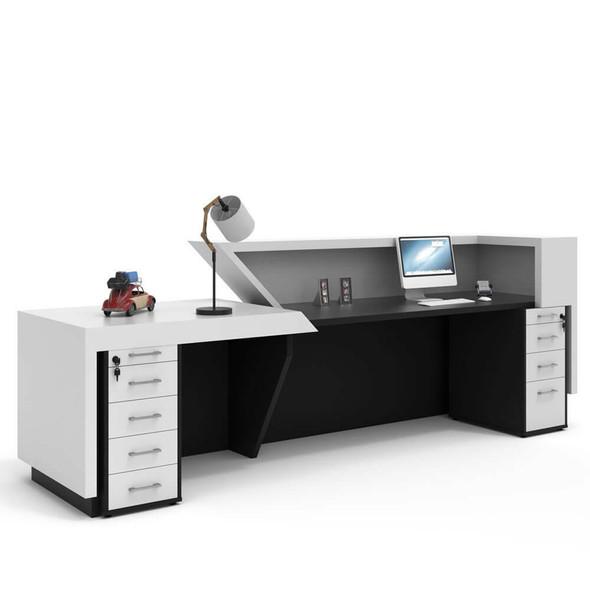 Della Reception Counter