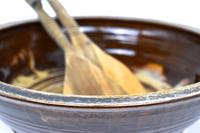 serving bowl glass rim