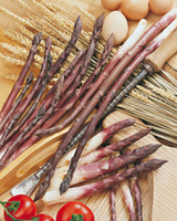 Purple asparagus Violette of Albenga crowns