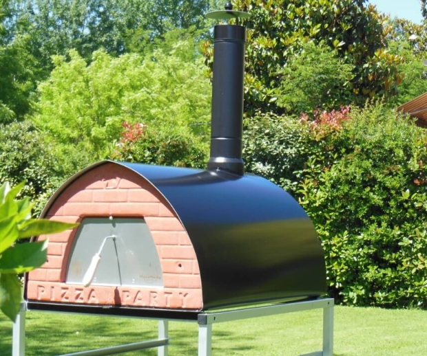 Pizza Oven/Smoker. Patented Large 70x90cm Mobile 69KG Tuscany.