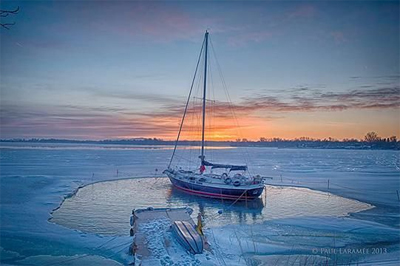 Boat and dock de-icer