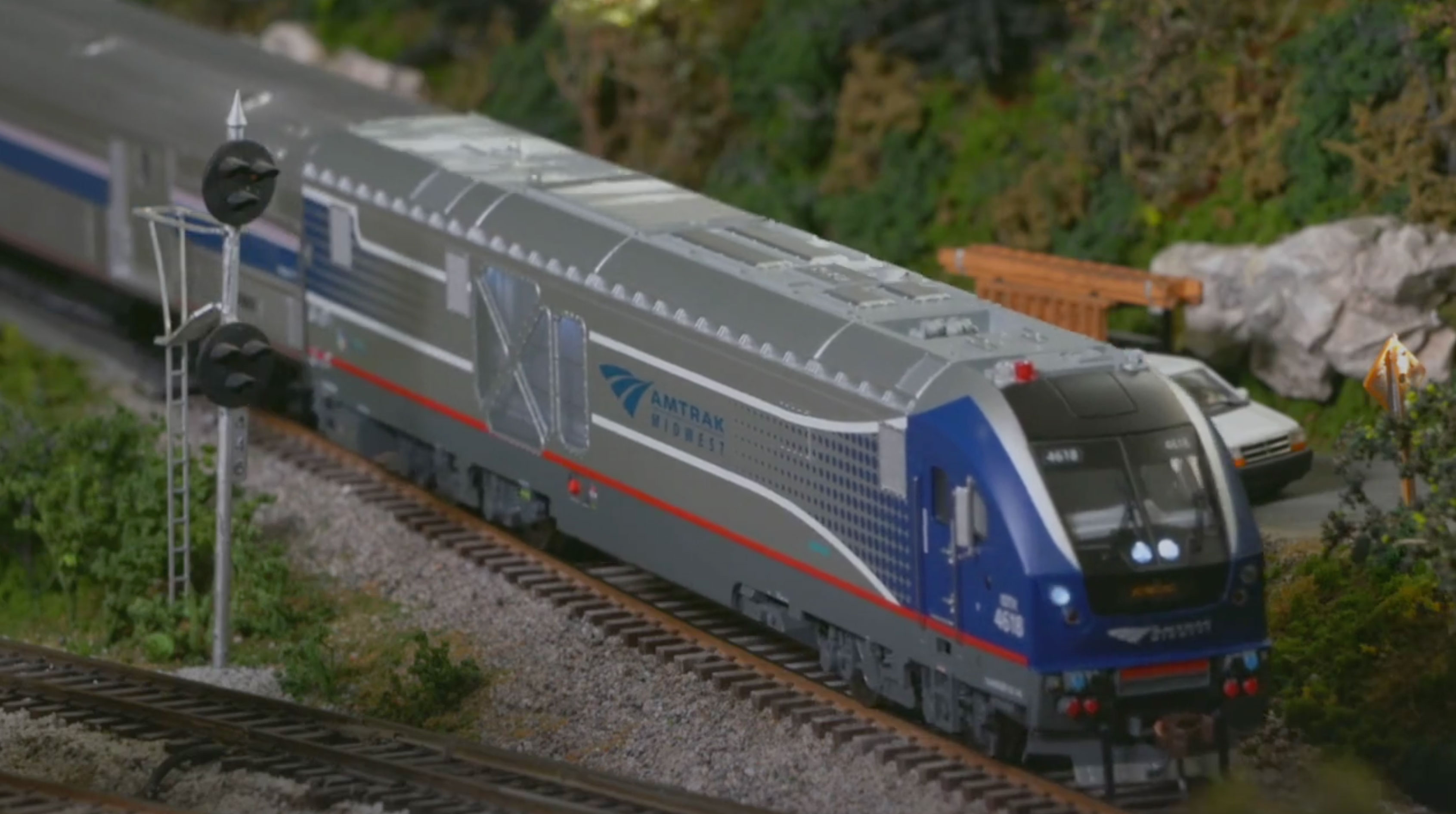 The Bachmann HO Scale Siemens SC-44 Charger
