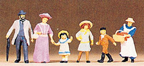 Preiser HO 12132 Family Walking 1900s Era (6)
