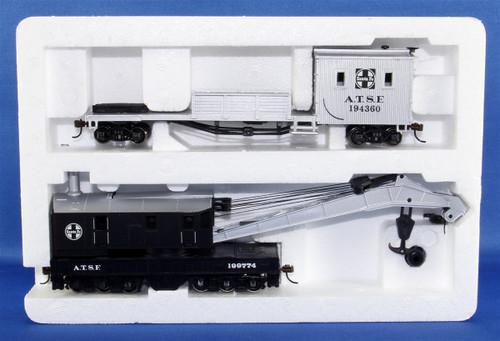 Bachmann Silver Series HO 16102 250-Ton Steam Crane Car with Boom Tender, Santa Fe #194360/199774
