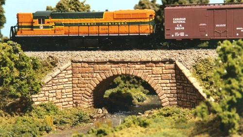 Monroe Models N 9001 Stone Arch Bridge Kit