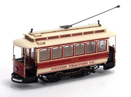 Bachmann Spectrum On30 25128 Closed Streetcar, United Traction Co.