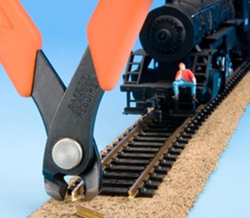 Xuron 90137 Model 2175M Vertical Cutting Track Cutter