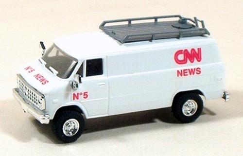 Trident Miniatures HO 90142 Chevy Van, CNN News