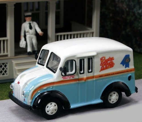 American Heritage Models HO 87-011 Divco Delivery Truck with Milkman and Carrier, Rueter Worth Dairy Co.