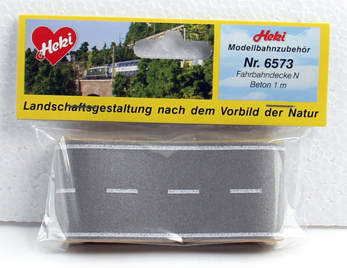"""Heki Insta-Road N 6573 Street with Dotted Center Solid Edge Light Gray (39"""" x 1.5"""")"""
