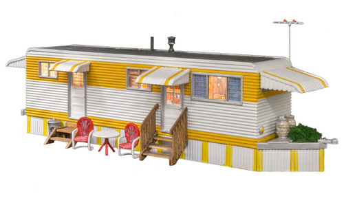Woodland Scenics O BR5863 Built and Ready Sunny Days Trailer (Lighted)